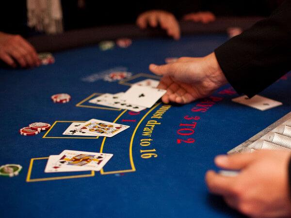 Quantity Of Decks Strategy In Suit 'Em Up Online Blackjack