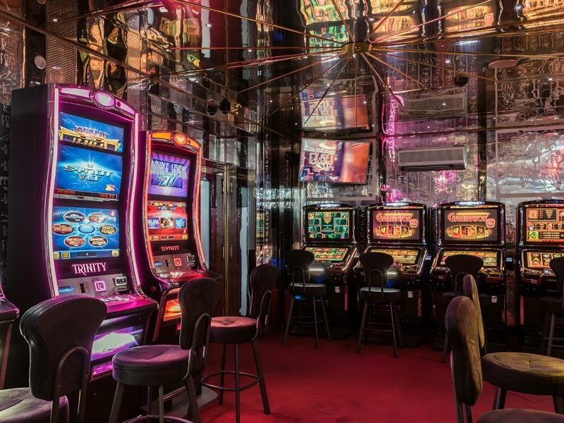 Slot machines can give huge profits to online players