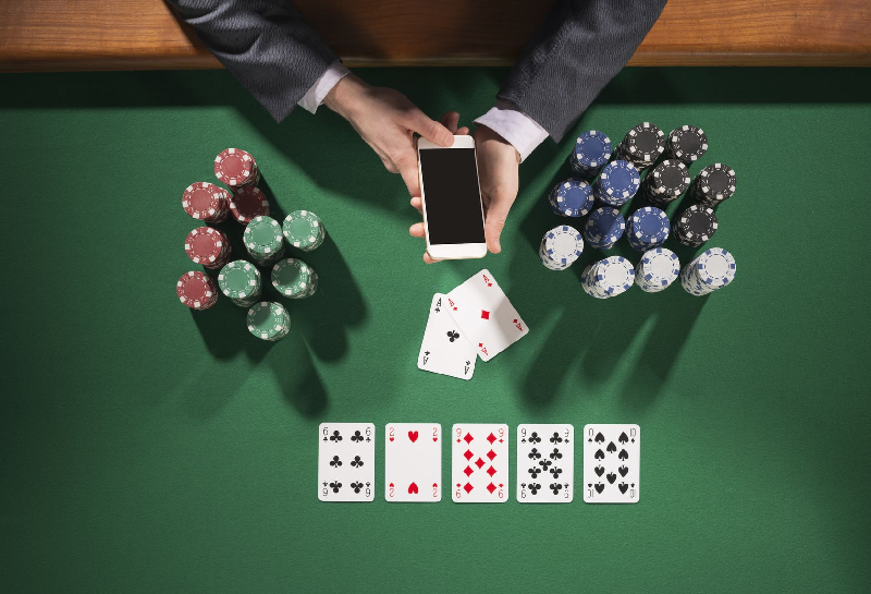 Things to consider before choosing the site to play the online casino games