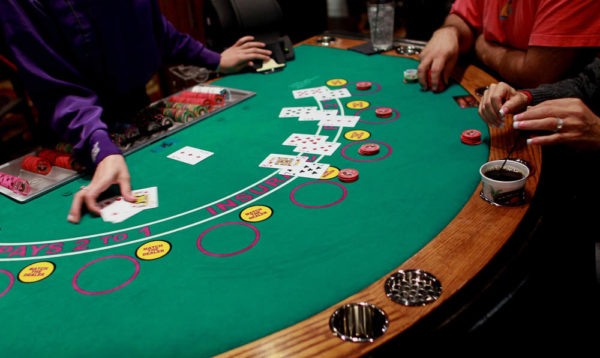 Choose Your Options for Playing Blackjack Now