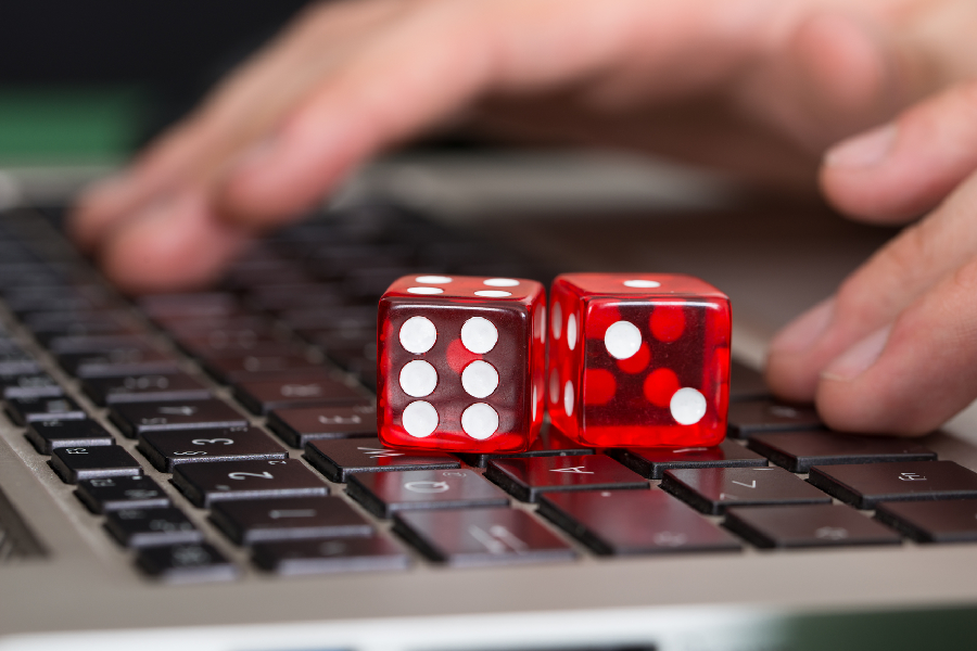 Vital Aspects to Consider in an Online Gambling Website Review
